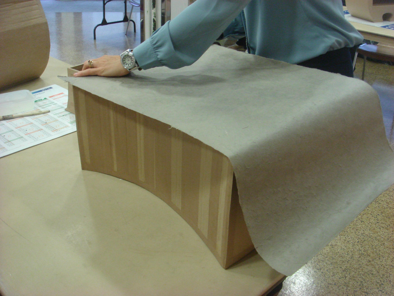 cr er un meuble en carton le mans m tropole. Black Bedroom Furniture Sets. Home Design Ideas
